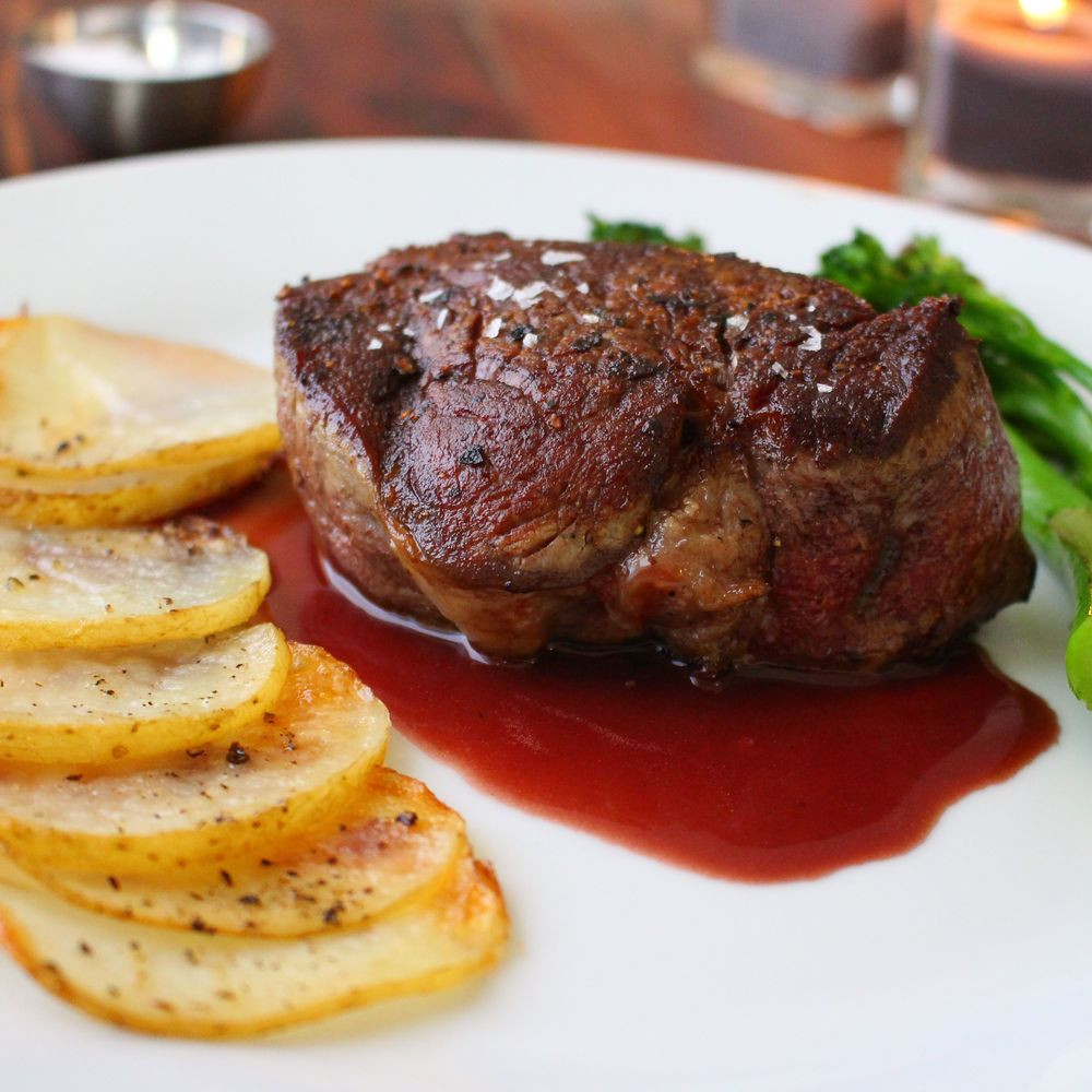 fillet mignon with red wine reduction