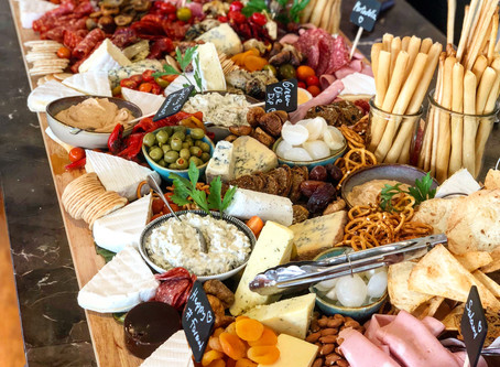Food Trend: Grazing Tables & Fully Edible Tablescapes