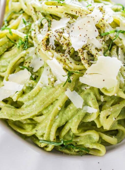 Creamy Spinach Avocado Pasta Sauce