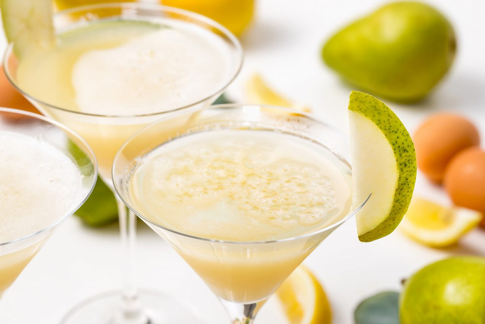 pear sour cocktail