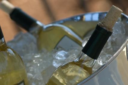 chilled wine, ice bucket,