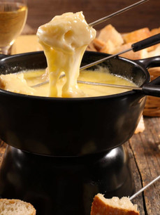 Top 5 Best Fondue Recipes, Chocolate to Cheese