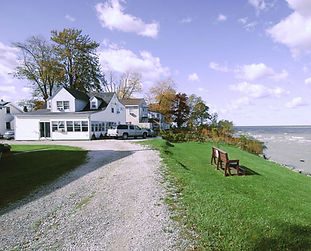 Shoreside Cottage is your ideal lakefront vacation home away from home. Spacious, charming and fully furnished, it will be the perfect setting for you to relax, relieve your stress, and re-create yourself, no matter how long or short your stay may be!