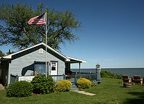 Lucilles Lakefront Cottages.jpg