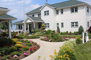 Eight room B&B, including three Jacuzzi suites, and four cottages on the shore of Lake Erie. All rooms feature a private bath. Full breakfast included with stay. Open year round. Winery, casual farm-to-table restaurant and day spa also on premises.