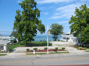Centrally located on the Geneva-on-the-Lake Strip. Lakefront motel features 9 rooms with cable TV, air conditioning and few units have balconies overlooking the lake. 25 cottages can accommodate group sizes from 1-6 people, 1-8 people, 1-10 people, a handicapped accessible duplex is available. Special rates in June and September. Private 231 foot sandy beach, shady spots to lounge, volleyball court, children's playground, picnic tables, lawn furniture and benches overlooking the lake. Located on SR 531. Open Memorial - Labor Day. Accepts credit cards. Kid friendly. For information off season contact at their winter address: # 1530 Honeysuckle Ave.,Marco Island FL 34145, 239-394-5139