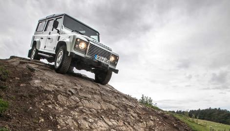 4×4 Land Rover