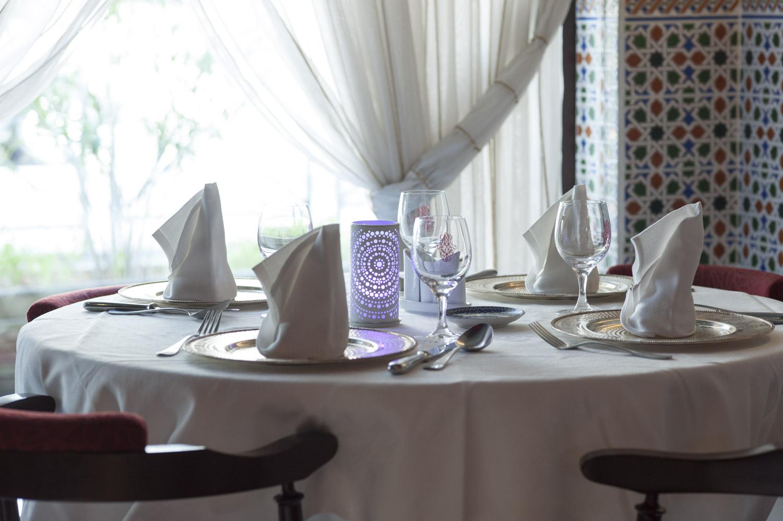 Tables, accueil - Le MARRAKECH