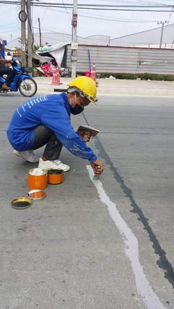 ซ่อมรอยร้าวถนน (3)