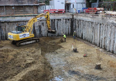 ก่อสร้างชั้นใต้ดิน