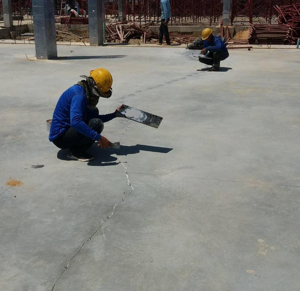 ซ่อมรอยร้าวด้วย epoxy injection  (2).JPG