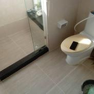 รับปูกระเบื้องและทำกันซึมห้องน้ำ (8).jpg