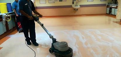 ทำความสะอาดพื้นพียู.jpg