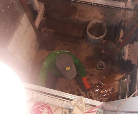 ซ่อมน้ำรั่วด้วย pufoam (6).jpg