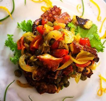 Prova la cucina siciliana del ristorante Baglio Donna Franca!