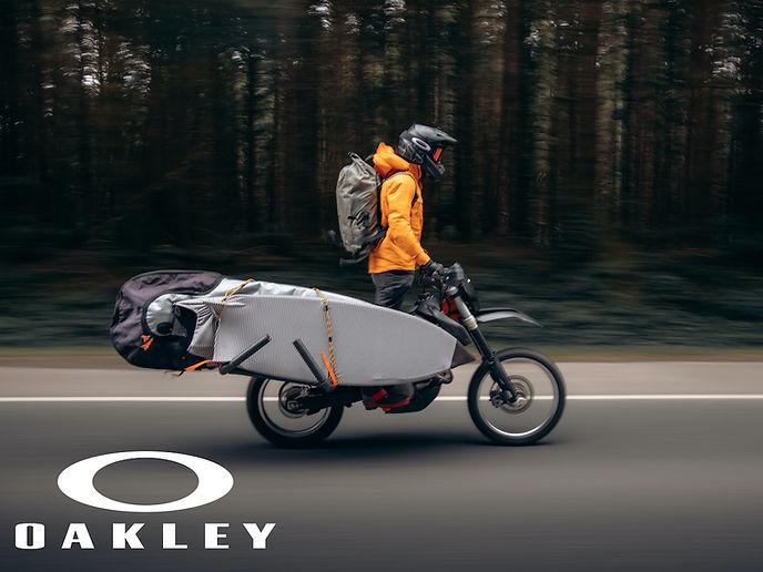 oakley1.jpg