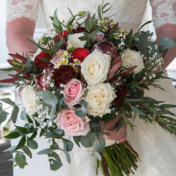 Romantic country wedding flowers for the