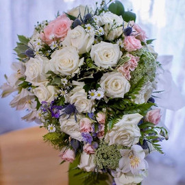 I love this trailing and romantic bridal