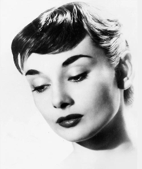 Hepburn 1952 40x50cm Art Print