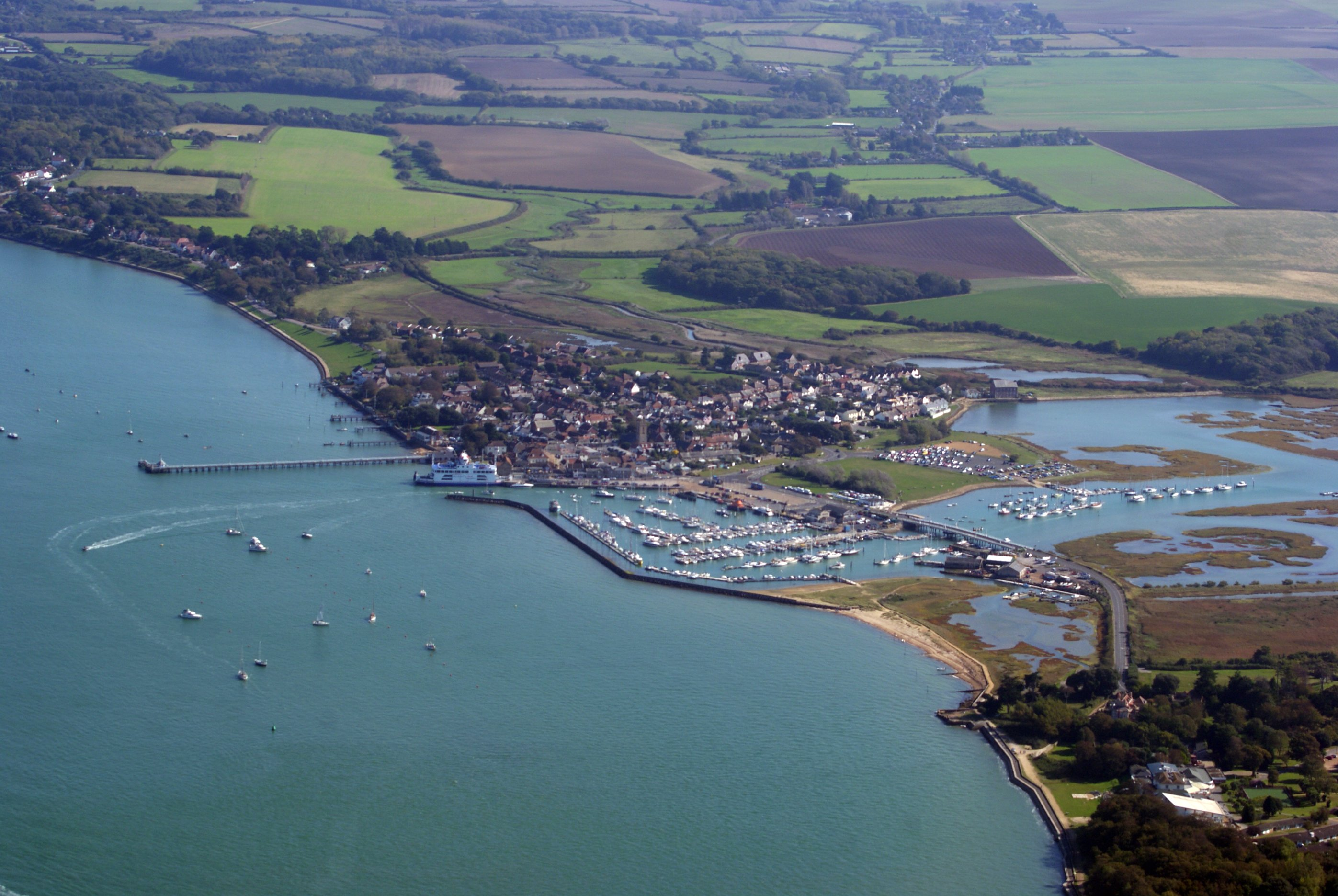 Yarmouth,_Isle_of_Wight,_England-2Oct2011.jpg