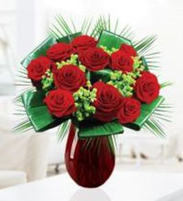 12 roses with green hypericum