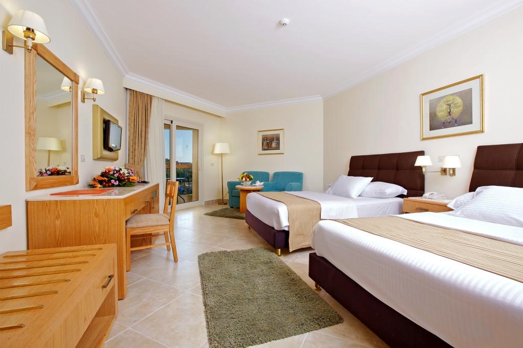 Aurora Oriental  Deluxe twin bedroom.jpg