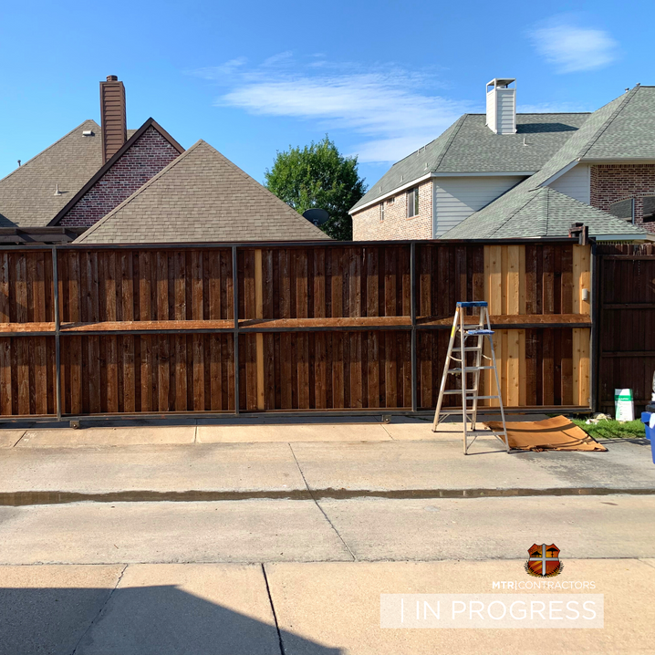 Staining Cedar Fence in Frisco TX.png