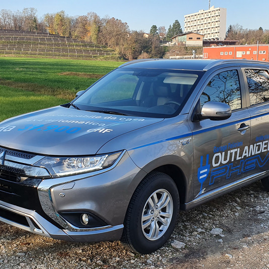 Outlander PHEV 2.4 Value 4x4 AT