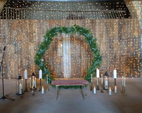 Hexágono de ceremonia con velas vintage
