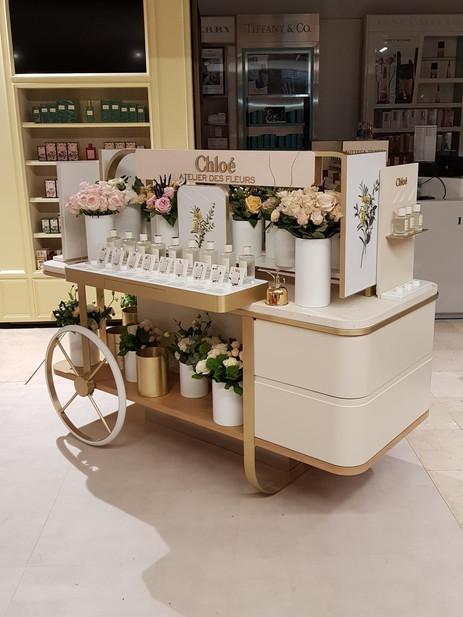 Flores frescas en punto de venta Chloé