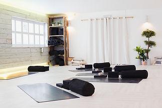 Leo Yoga Studio