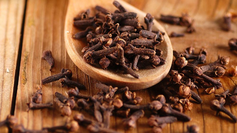 L'aglianico ha riconoscimenti speziati di pepe, chiodi di garofano, cannella e tabacco