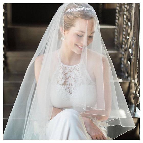 bridal accesories BA 057608376_n.jpg
