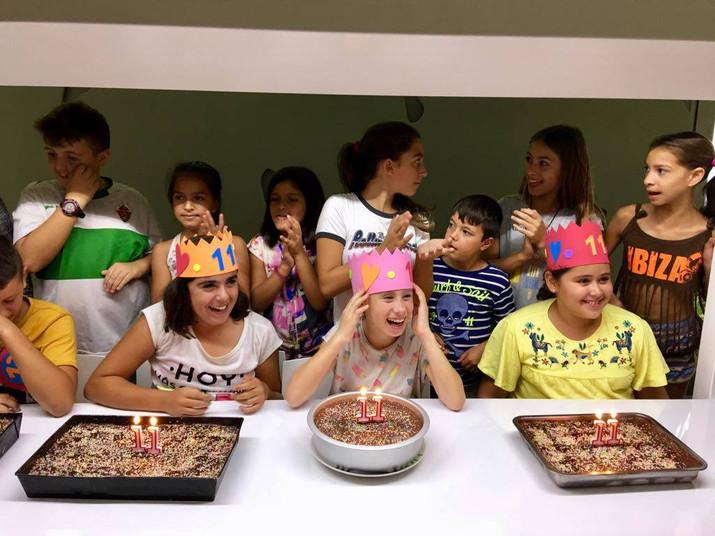 """En """"El Abrazo"""" se pueden celebrar los cumpleaños de 4 en 4"""