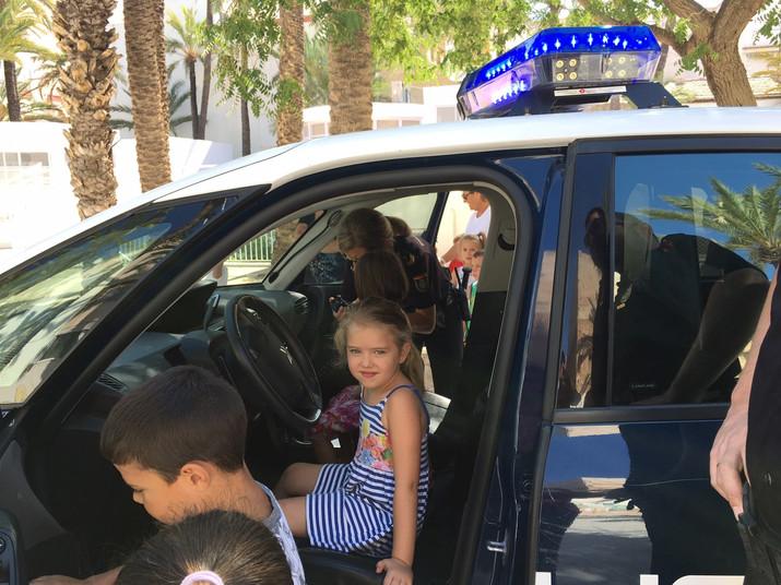 Visita de laPolicíaNacional en El Abrazo