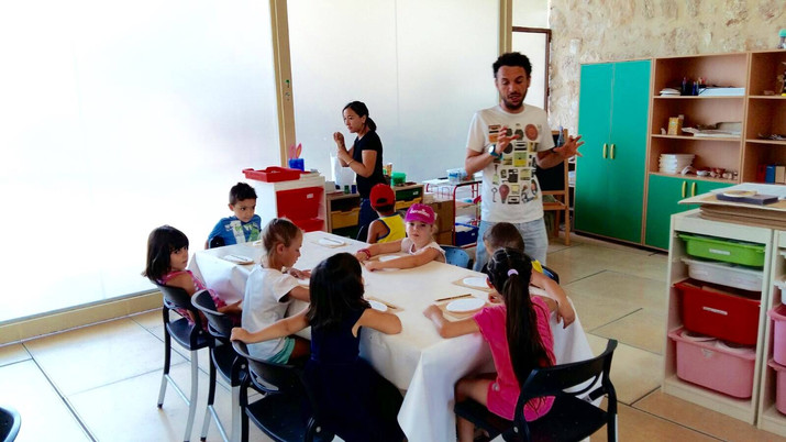 Nueva visita con las más pequeños al taller al Museo Arqueológico...MAHE