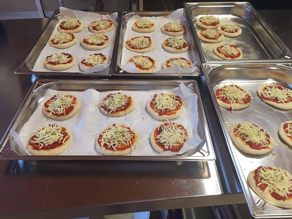 mini pizzas, Elche, merienda, platos, fundación