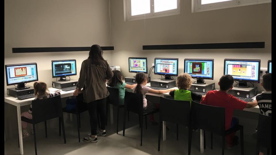 informática, aprender, fundación, Elche, El abrazo, clases, aprendizaje, ordenadore