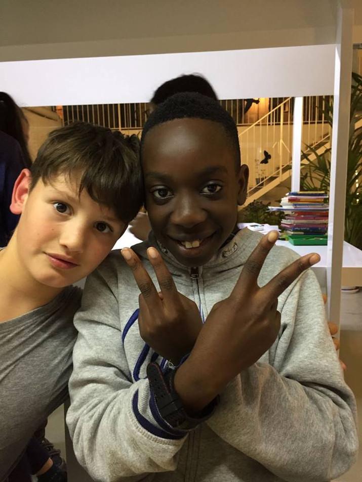 Levi y su inseparable amigo José Javier.