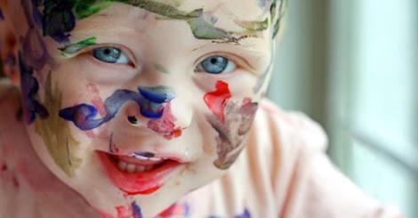 el abrazo en elche niño educar crecer autoestima convivencia