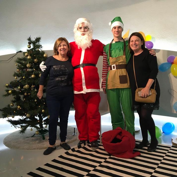 Más fotos de Papa Noel con los mayores