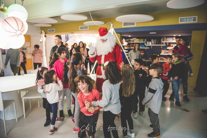 Papa Noel visita El abrazo en Elche