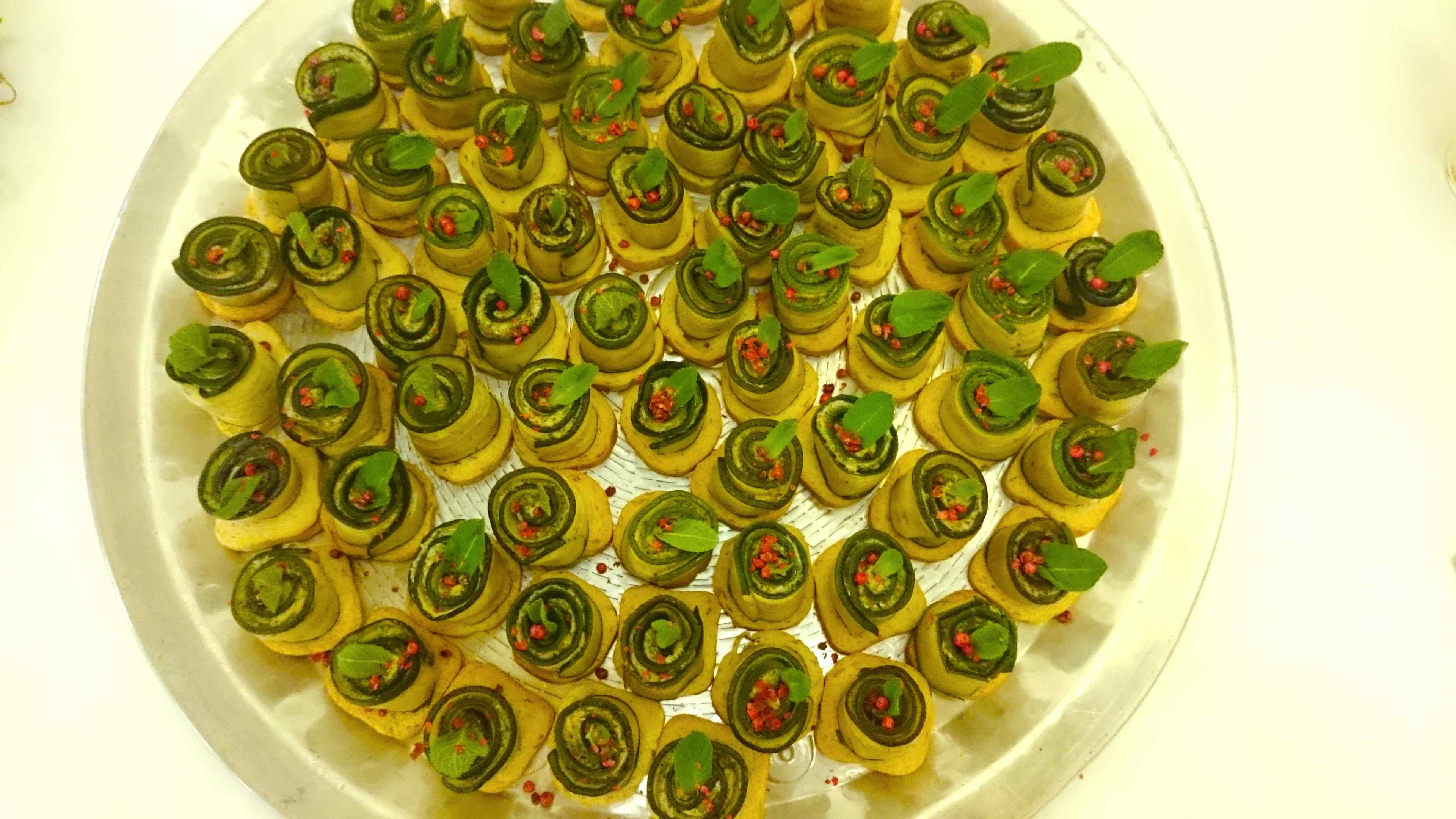 Zucchini-Ricotta-Röllchen