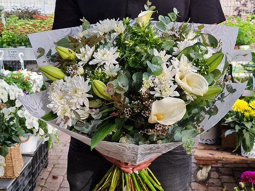 זר פרחים לבן (אורי)