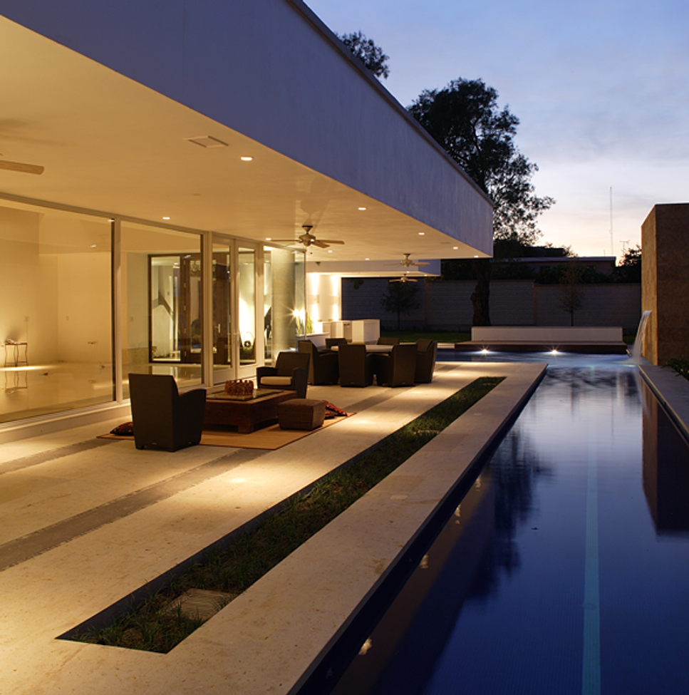 Portico arquitectura y construcci n casa casco for Piccola casa con avvolgente portico