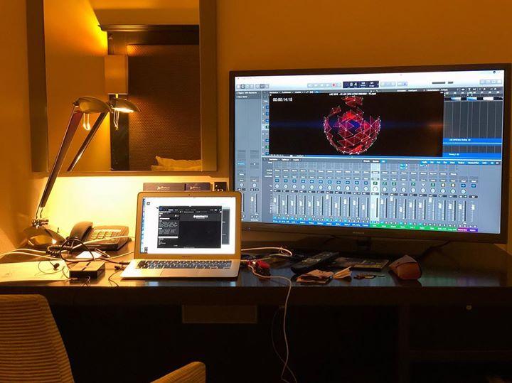 Happy Hotelzimmerstudio! 😴 #musshaltfertigwerden #immerallesdabei #portablestudio #musicianlife #ke