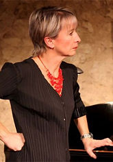 Françoise-Larrat-piano.jpg