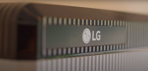 LG logo on battery.PNG