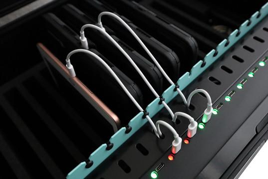 USB-C-Tablet-Ladekoffer.jpg