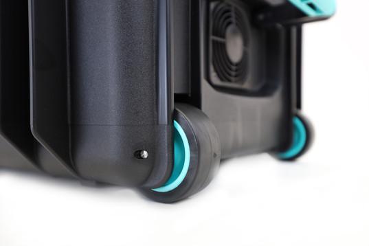 T16-blue-wheels.jpg